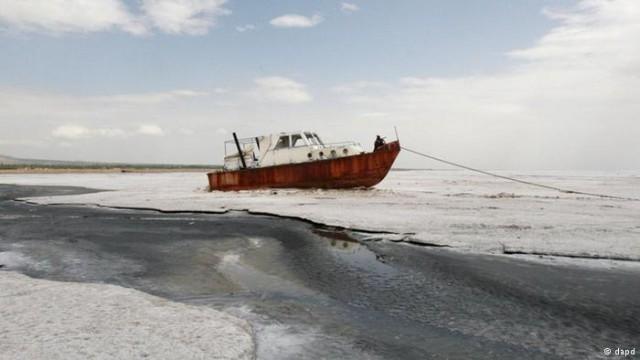 دریاچه ارومیه، در سراشیب نابودی کامل
