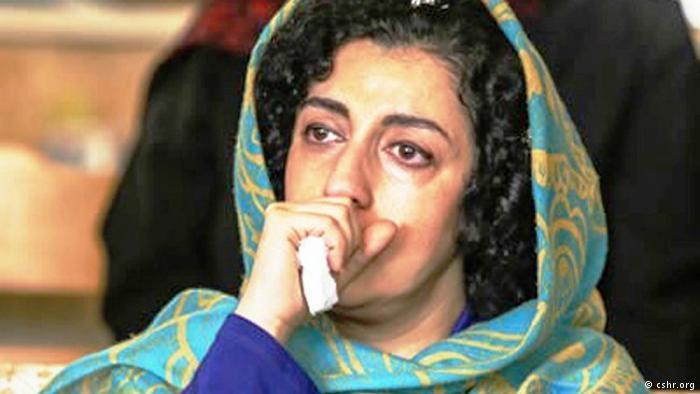 اگاهی شاپور نرگس محمدی از حق انتخاب پوشش توسط زنان حمایت کرد